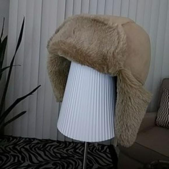 ba3eb413926 Cejon Accessories - LAST CHANCE! NWOT CEJON Faux Toscana Trapper Hat